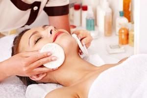 Veido odos valymas Klaipėdoje, Grožio procedūros veidui, raukšlių šalinimas, rūgštinis pilingas veidui, jauninantiprocedūra veidui, pigmentacinių dėmių šalinimas