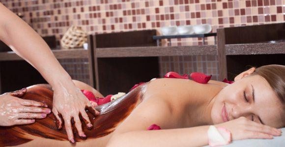 Шоколадный массаж - возбуждающее средство позволит кожу гладкой и золотистого цвета, настроение, она дает силы и энергию . Клайпеда Аштар салон