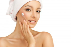 Очищение кожи лица в Клайпеде , Косметические процедуры лица , удаление морщин , кислотный пилинг лица , Удаление пигментных пятен лица, салон красоты Аштар Veido odos valymas Klaipėdoje, Grožio procedūros veidui, raukšlių šalinimas, rūgštinis pilingas veidui, jauninantiprocedūra veidui, pigmentacinių dėmių šalinimas